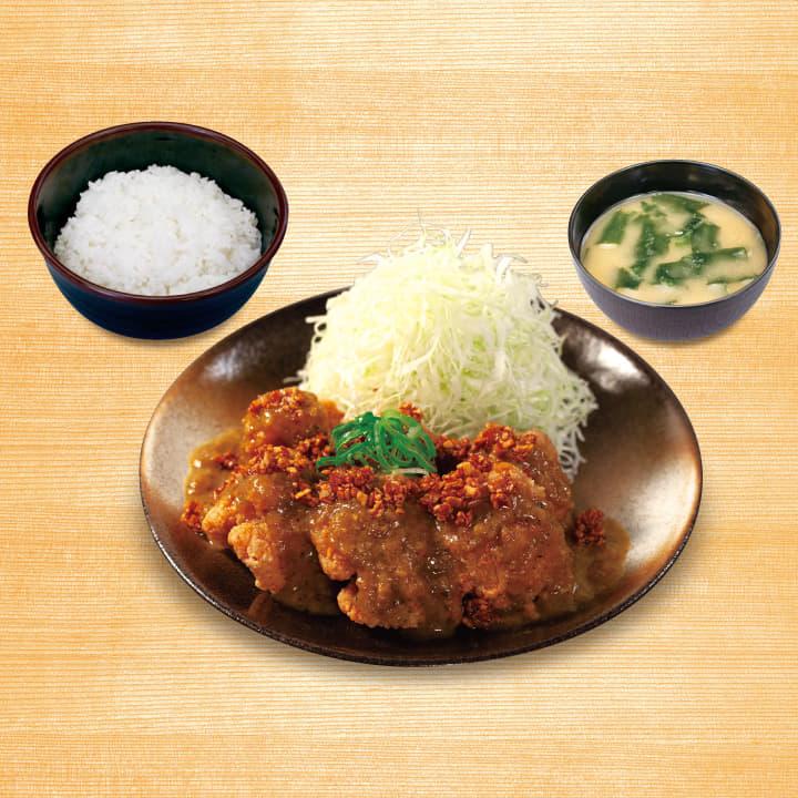 濃厚カレーソースの本格唐揚定食