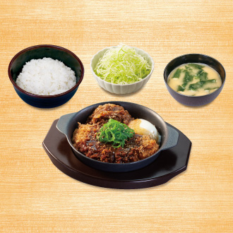 牛味噌煮込みロースかつ鍋定食