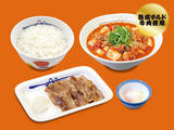 チゲカルビ焼膳(プレミアム牛肉使用)半熟玉子