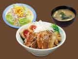 牛と味玉の豚角煮丼野菜セット