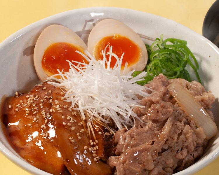 牛と味玉の豚角煮丼生野菜セット
